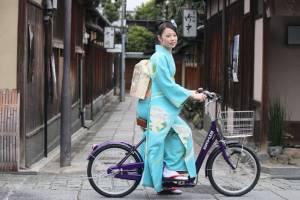 دوچرخه سواری بجای دور دور با تویوتا!