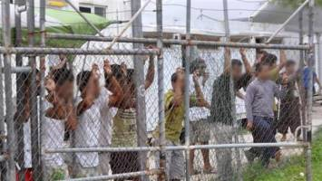 امکان حقوقی تعقیب قضایی استرالیا به دلیل اسکان پناهجویان در مانوس