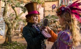 بازگشت به دنیای حقیقی با «آلیس از درون آینه»