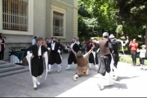 مراسم گشایش نمایشگاه پوشاک اقوام کرد