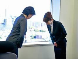 احوالپرسی عجیب با مشتری به سبک کاملاً ژاپنی!