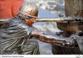 بدهی شرکت نفت شانه به بودجه سالانه کشور می زند
