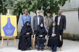 قطب الدین صادقی در میان اعضای هیات علمی جایزه «پروین»