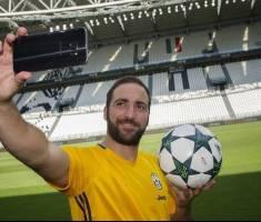 سلفی خائن 90 میلیون یورویی در ورزشگاه خانگی یوونتوس