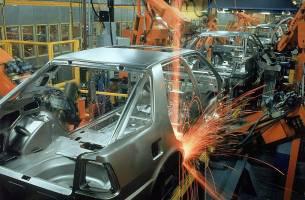 تولید خودرو معادل یک سوم تولید نفت است