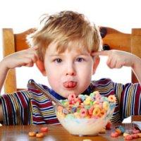 آیا مصرف زیاد مواد قندی موجب بیشفعالی در کودکان میشود؟