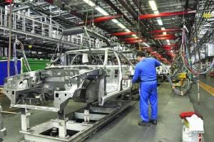 کیفیت پایین و قیمت بالا پیامد انحصاری بودن بازار خودرو در ایران
