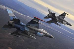تقابل بدون درگیری هوایی آمریکا با میگهای سوریه برای دفاع از کُردها