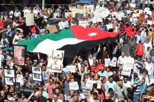 تظاهرات اردنی ها در مخالفت با تجارت گاز با اسرائیل