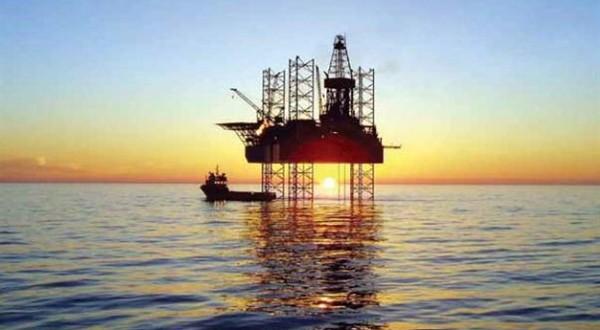 دوئل نفتی ایران با شیخنشینان خلیج فارس