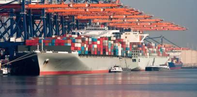 گسترش صادرات غیر نفتی نجات دهنده اقتصاد