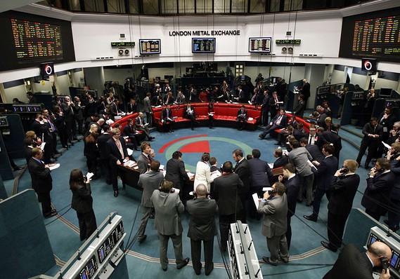بورس لندن خواستار به تعویق افتادن ادغام با بورس آلمانی