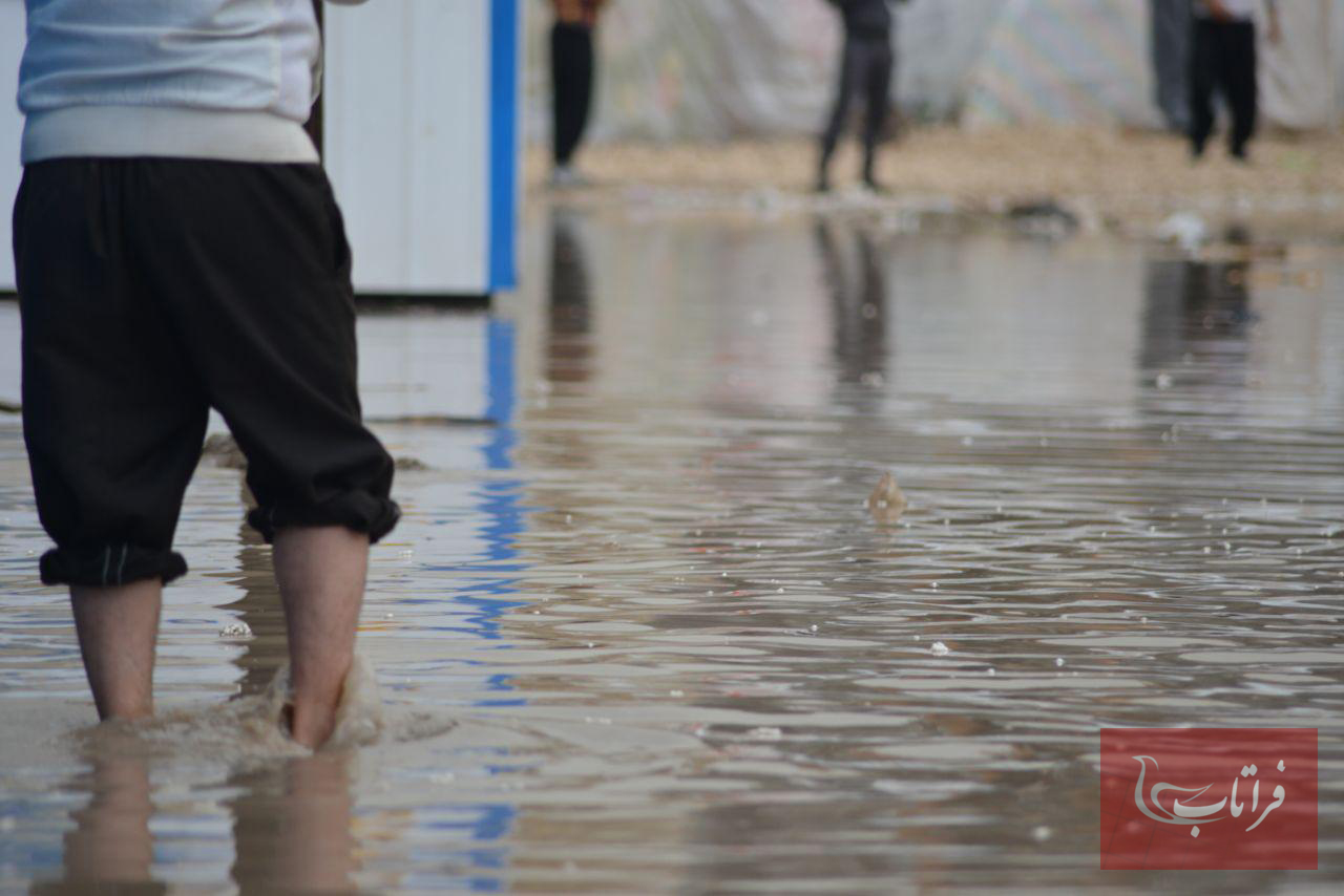 شرایط سخت زلزله زدگان سرپل ذهاب پس از بارش باران