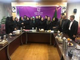 بررسی مسائل و مشکلات زنان غرب کشور