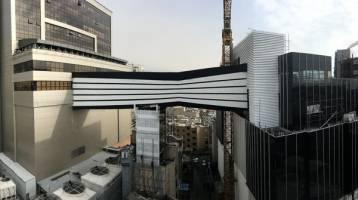 پل هوایی پالادیوم در انتظار رای کمیسیون ماده ۱۰۰/بخشی از پایه پل روی سقف خانه مسکونی قرار دارد