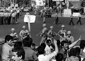 یکی از خونبارترین روزهای ایران به روایت اهل قلم