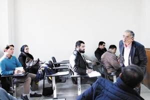 دانشجویان علوم سیاسی، از رویای دیپلمات شدن تا واقعیت بیکاری!