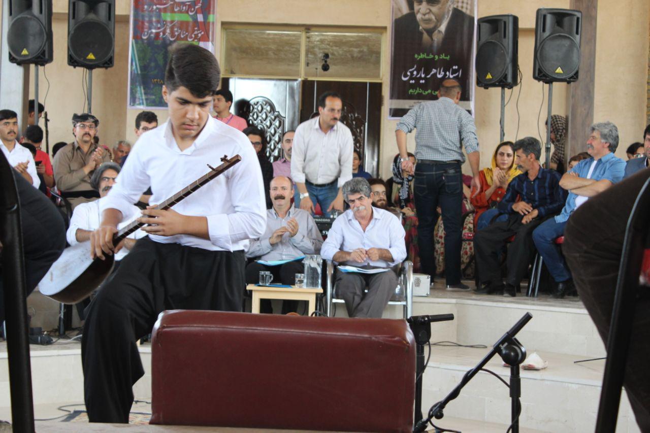 برگزاری جشنواره کهن آواهای تنبور و موسیقی مناطق کُردنشین در روستای بانزلان کرمانشاه