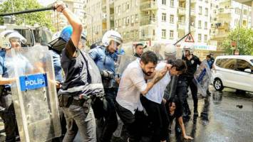 اعمال خشونت پلیس ترکیه علیه معترضین کُرد