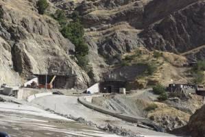 بهره برداری از آزاد راه تهران-شمال باز هم به تعویق افتاد