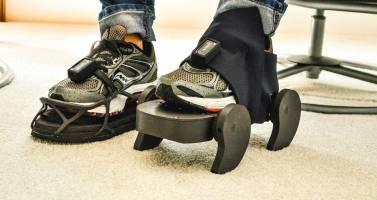 ساخت کفش برای کمک به راه رفتن  بیماران مبتلا به سکته مغزی
