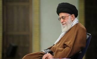 ما باید ایرانی بیندیشیم، ایرانی فکر کنیم و ایرانی زندگی کنیم