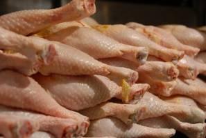 قیمت مرغ بالاتر از نرخ مصوب به فروش میرسد