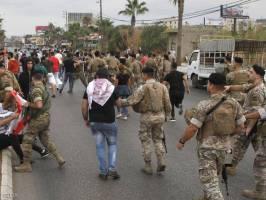 ارتش لبنان برای باز کردن مسیرها متوسل به زور شد/ حمایت نبیه بری از تشکیل دولت مدنی