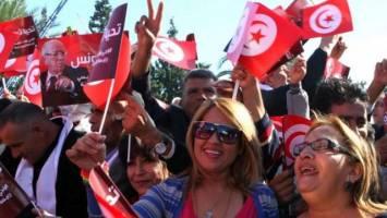 چرا فقط تونس توانست؟!
